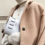 Chunky beige turtleneck sweater, delicate jewelry and oversized coat #win ...