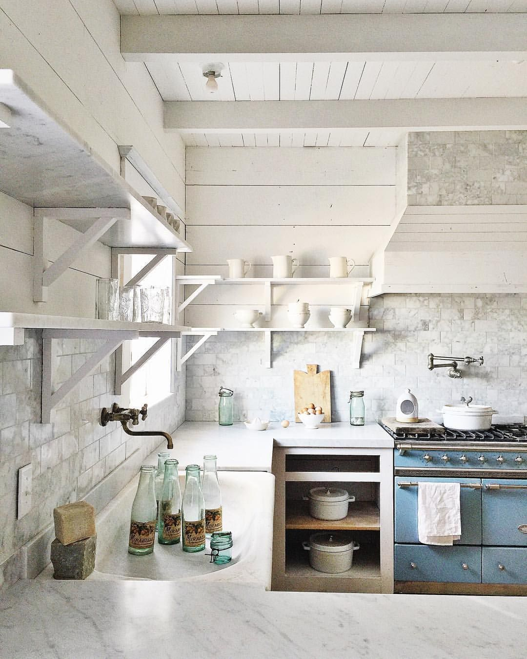 30 Blue and White Kitchens to Inspire!