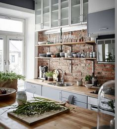 10 tips to save space in your kitchen