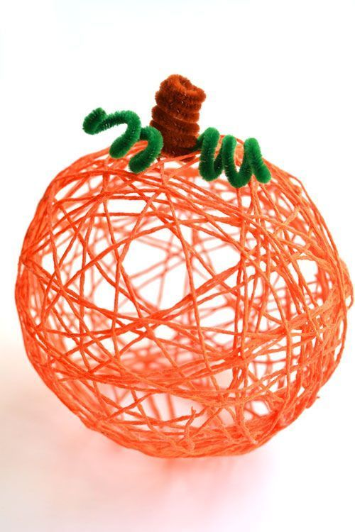 Autumn crafting for children - Light DIY craft ideas - making with wool
