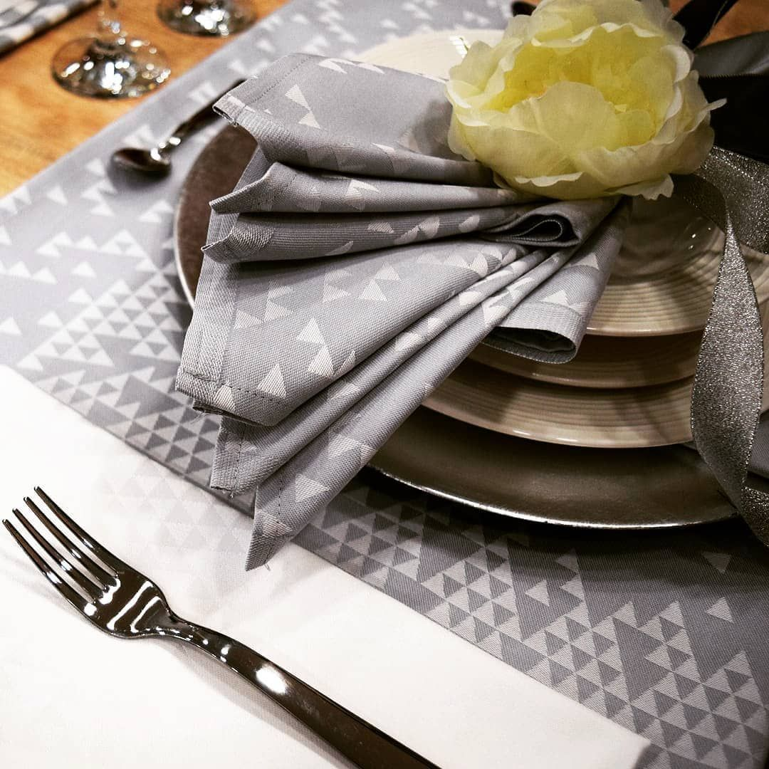 Want modern elegance at the holiday table? Find inspiration in our ...