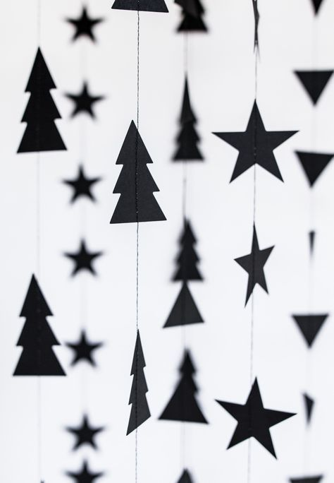 Christmas - garland decoration // beautiful Christmas decoration at minidrops >>> #w ...