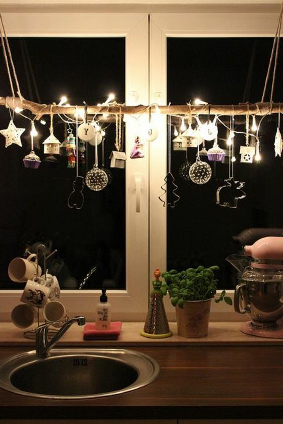 Window decorations for Christmas - wonderfully subtle and great examples