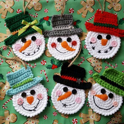 These adorable little snowmen will look perfect hanging from your Christmas tree...