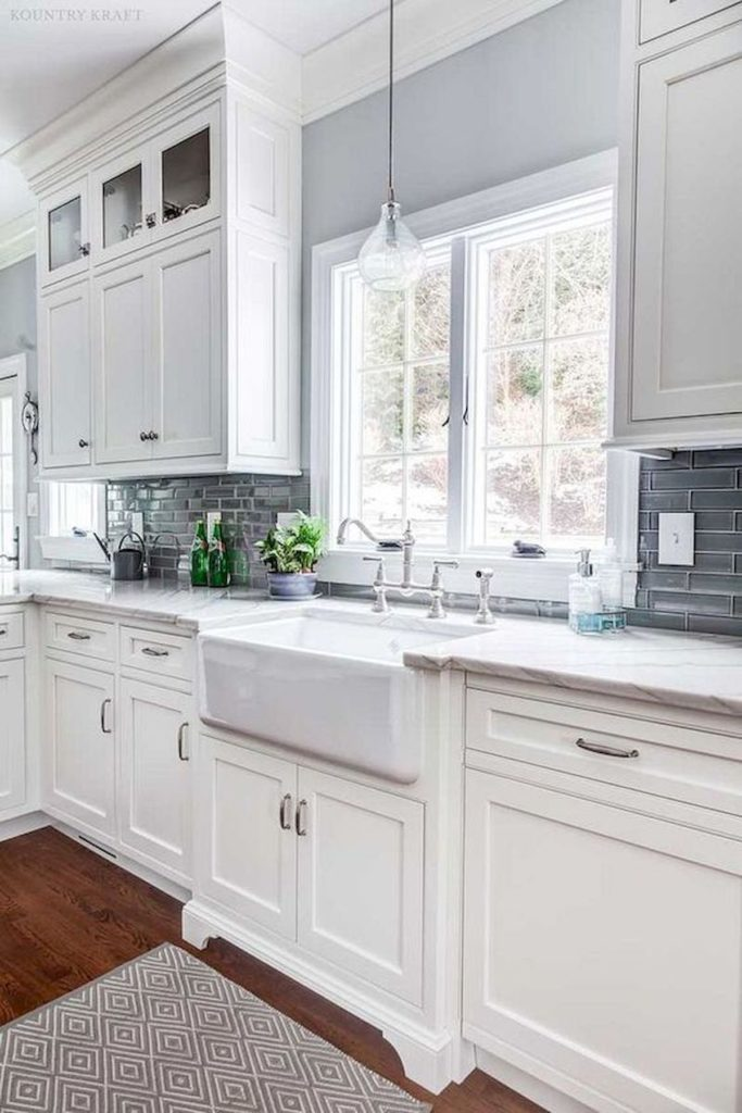 40 Awesome Farmhouse Kitchen Cabinets Design Ideas And Decorations 25