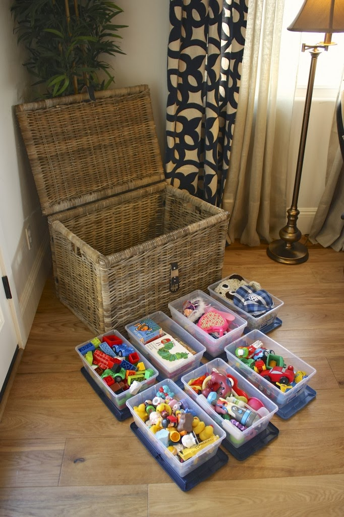 7 Smart Ways to Keep Toys Organized in the Living Room - Mommyhooding