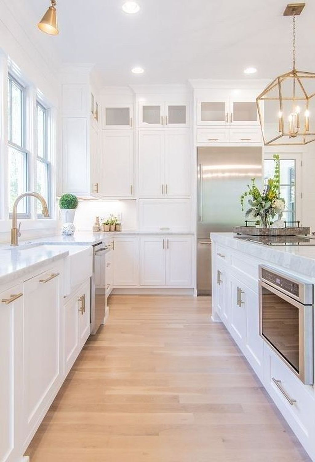 32 Newest White Kitchen Design Ideas For A Clean And Bright Kitchen